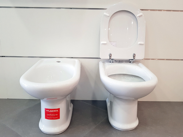 Vaso wc bidet coprivaso bagno flaminia relax ceramica classica bianco sanitari ebay - Flaminia sanitari bagno ...